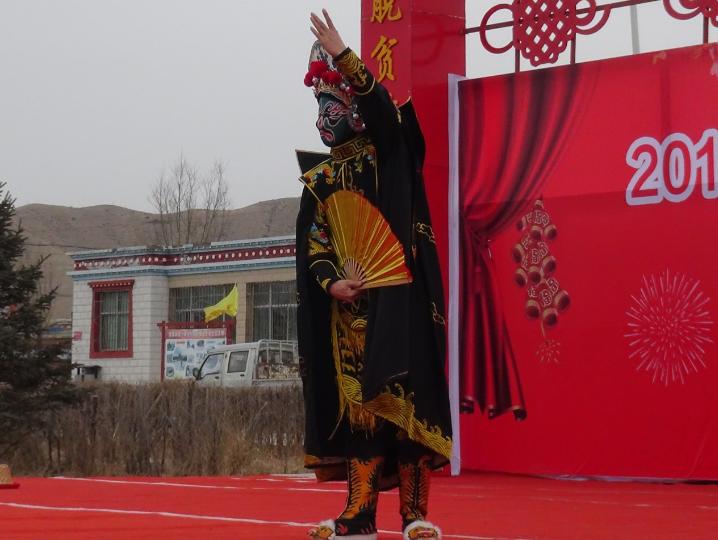1月18日甘肃省杂技团在武威市天祝县华藏寺镇演出