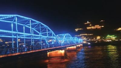 蓝色古桥安静祥和月水桥映出人间美景