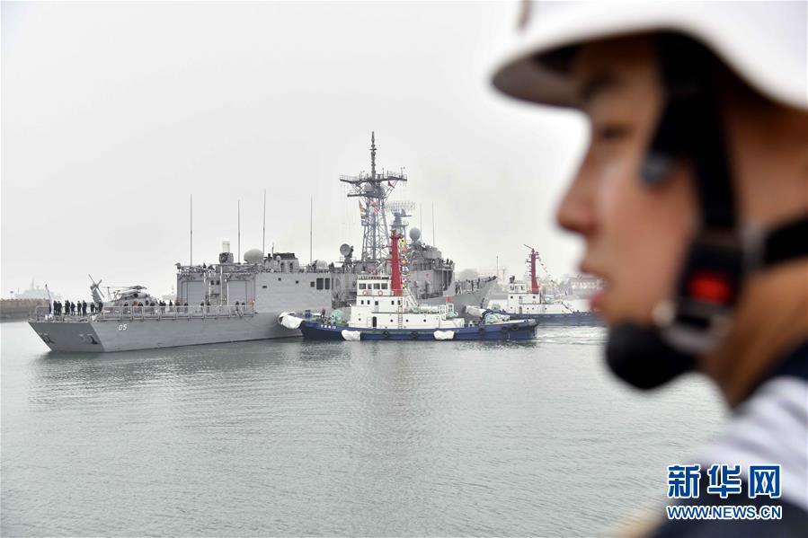(人民海军70年)(5)来华参加多国海军活动的外国军舰抵达青岛