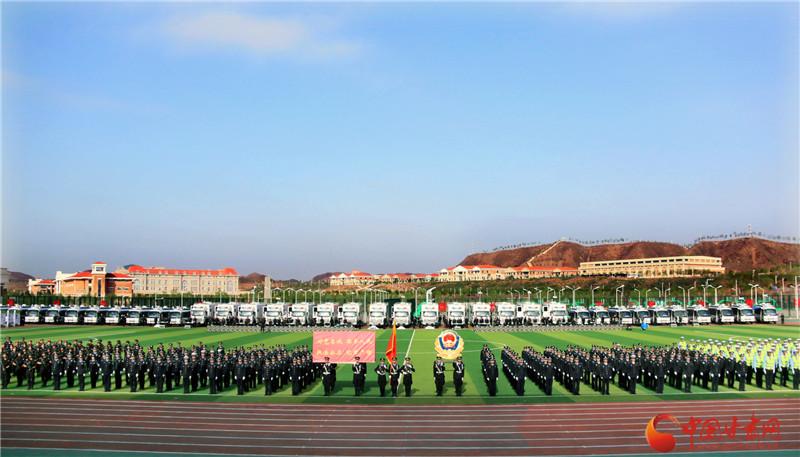 """甘肃省公安系统开展""""警营开放日""""活动  两千余人参与 拉近警民距离(组图)"""