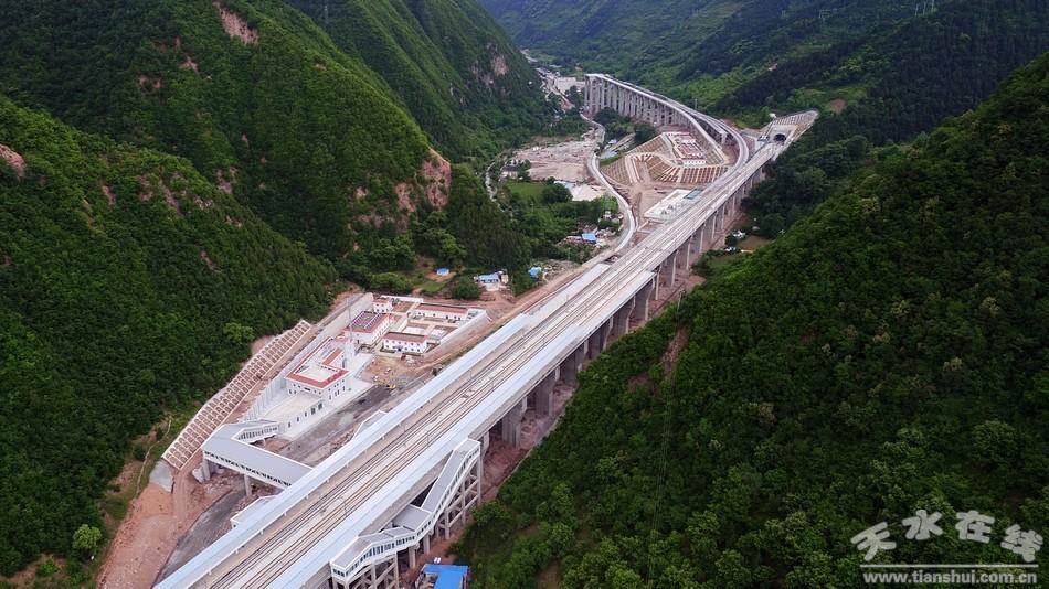 重磅!中国最美高铁站东岔站4月29日开通试运营