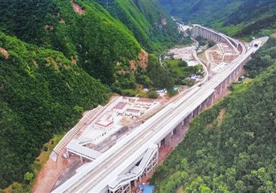 最美高铁站天水东岔站今日开通试运营