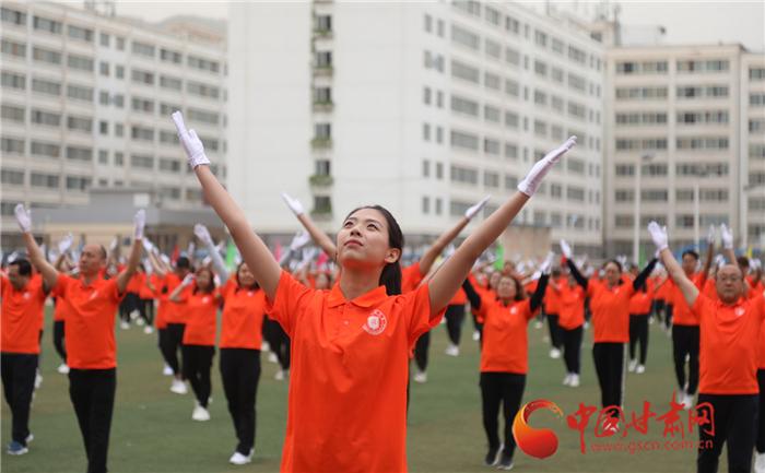"""甘肃政法学院第28届运动会开幕上演绎""""我和我的祖国""""(组图)"""