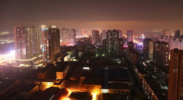 """南京多家银行首套房贷基准利率上浮15% 南京多家银行上调首套房贷利率,今年楼市""""下半场""""怎么走引人关注"""
