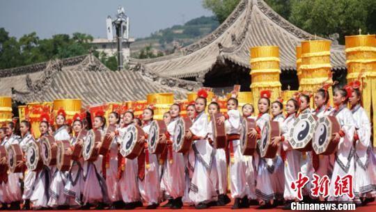 2018年6月22日,2018(戊戌)年公祭中华人文始祖伏羲大典在甘肃天水市举行。(资料图) 钟欣 摄