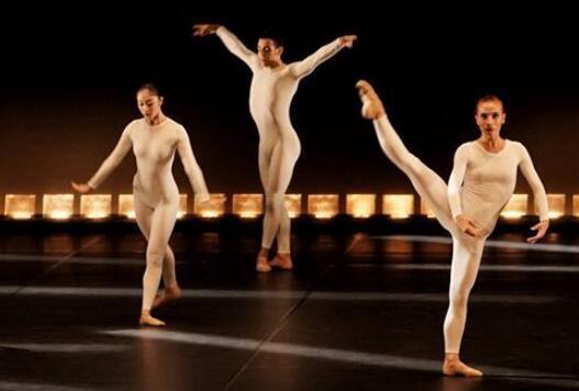 葡萄牙国家芭蕾舞团《十五名舞者与不断变化的节奏》在京上演