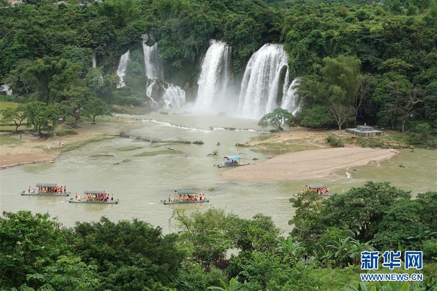 #(环境)(2)广西崇左:德天瀑布进入最佳观赏期
