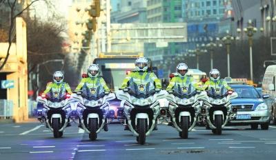 金城快骑:城市中流动的风景线 道路上的守护者