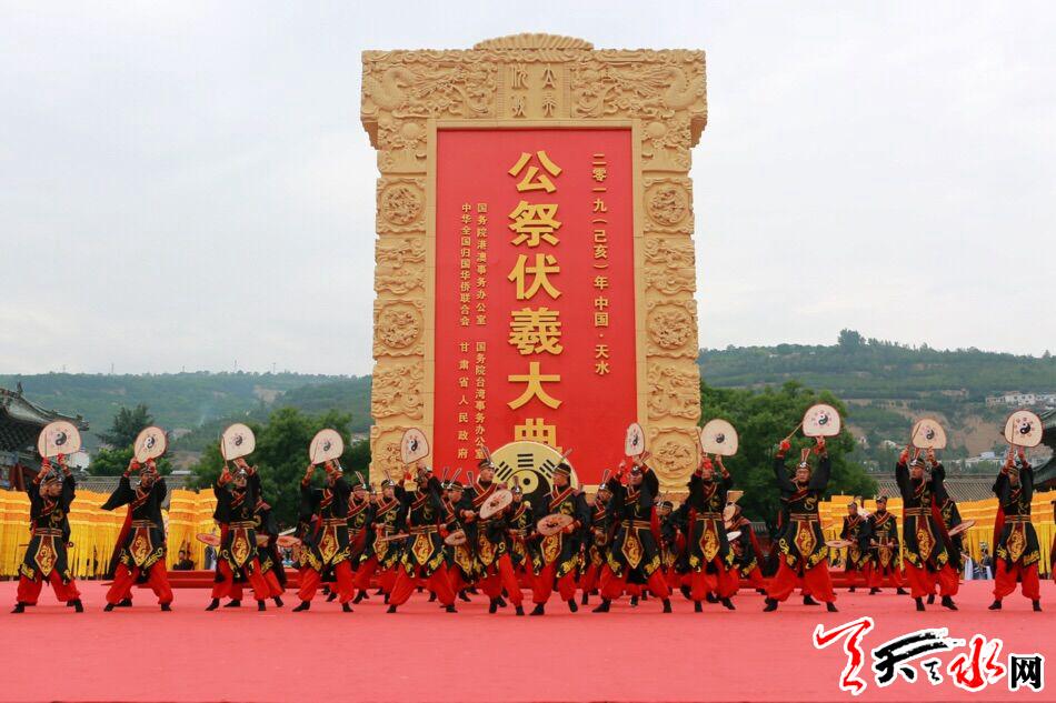 王锐检查2019年节会筹备工作