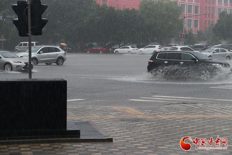 甘肃酒泉遇历史罕见降雨 日降水量接近以往全年水平(图)