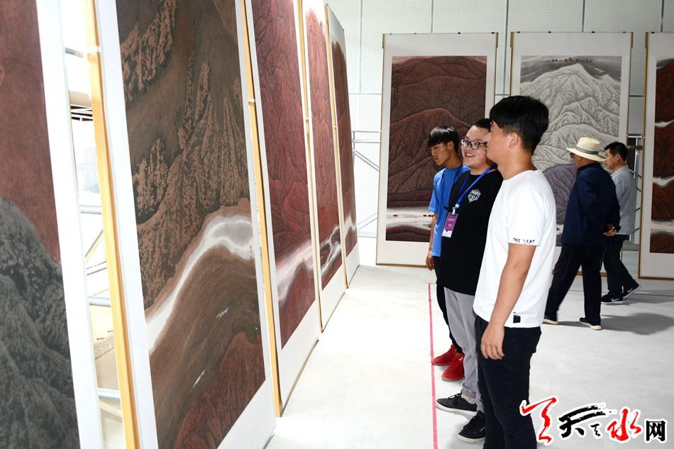 刘万年西藏山水画《神山圣水图》画展开展