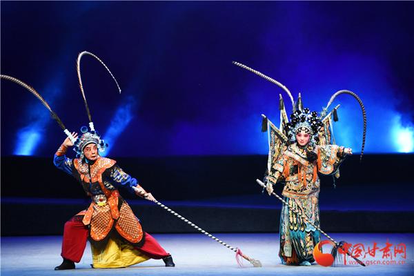 第八届中国秦腔艺术节在兰州闭幕 青春版秦腔剧《杨门女将》出彩