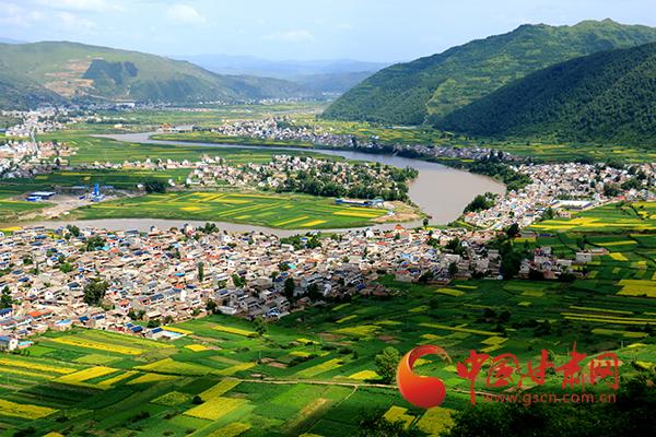 岷县十里镇:盛夏时节乡村美景如画