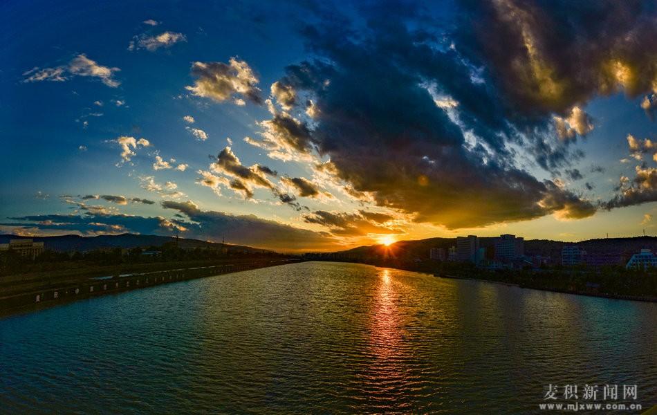 【醉美麦积】系列之:麦积翠湖云最美