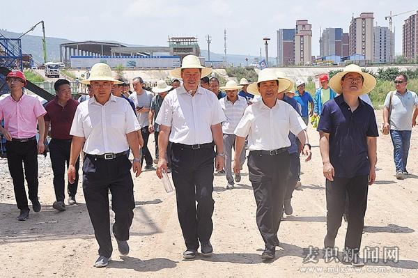 王军到麦积区检查轨道交通和藉河生态治理二期项目