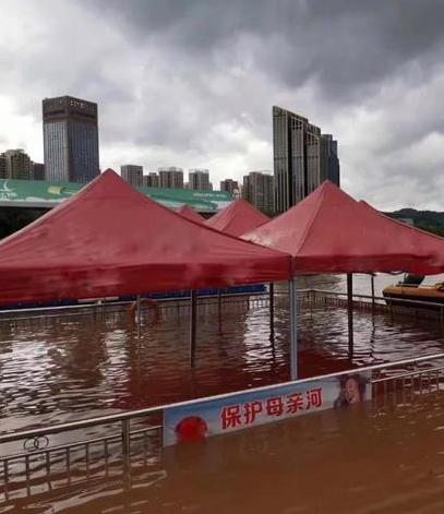 """汛期多雨黄河水涨 兰州""""水上经济""""受重创"""