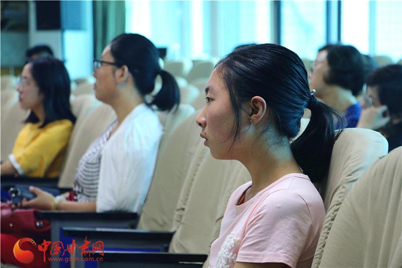 平凉市静宁县细女同学初三巷中何晶晶的学梦见学生暗恋初中图片
