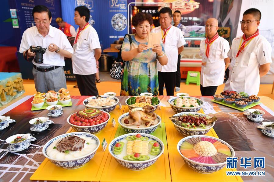 """(社会)(5)甘肃兰州:美食烹饪尽显""""舌尖上的文化"""""""