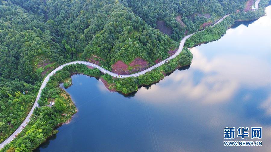 (美丽中国)(3)太阳湖风光旖旎