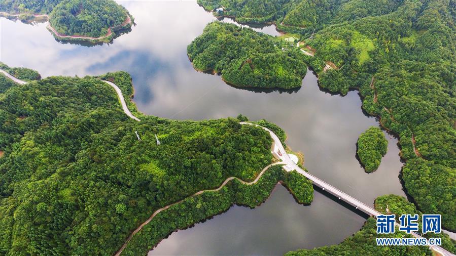(美丽中国)(6)太阳湖风光旖旎