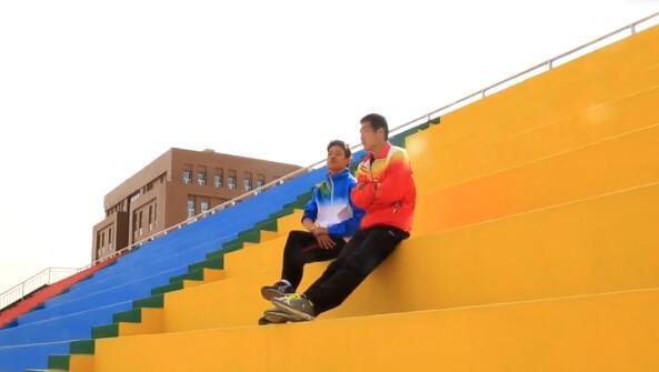【甘肃五个一百网络正能量视频·系列展播(37)】奔跑的满意