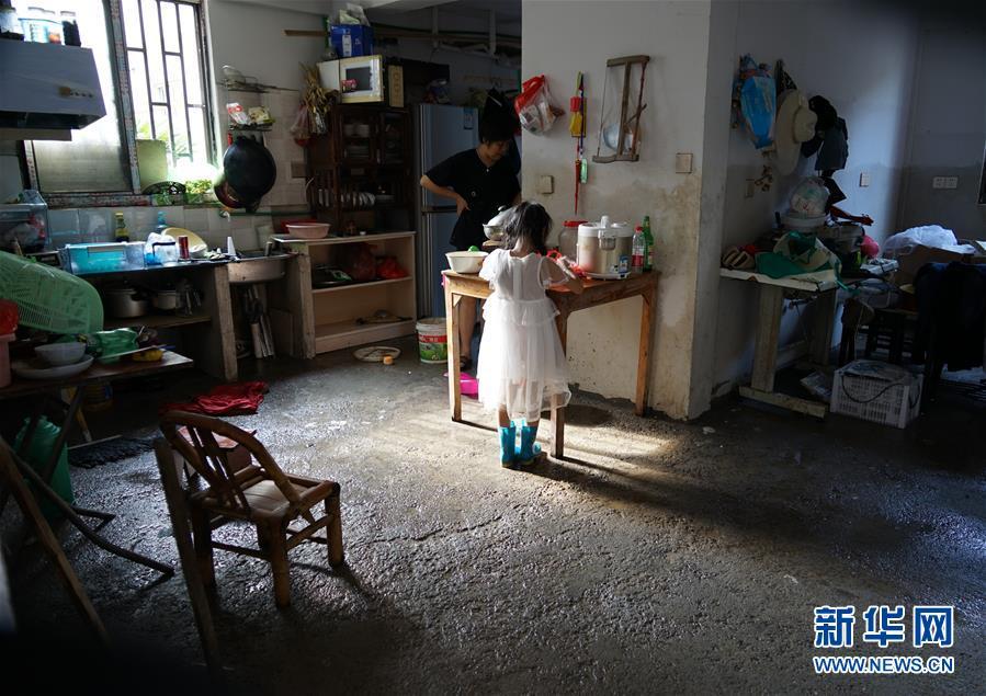 """(关注""""利奇马"""")(3)浙江临海古城居民展开生产自救"""