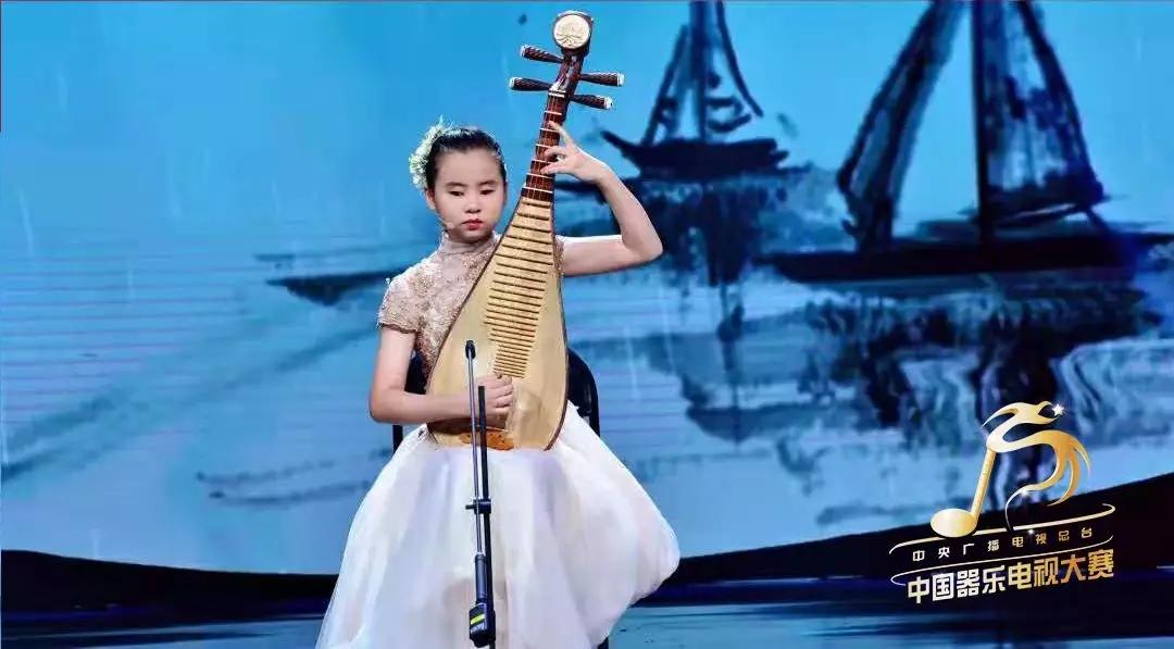 【荐读】平均每天断两根弦!13岁失明女孩弹琵琶冲进决赛