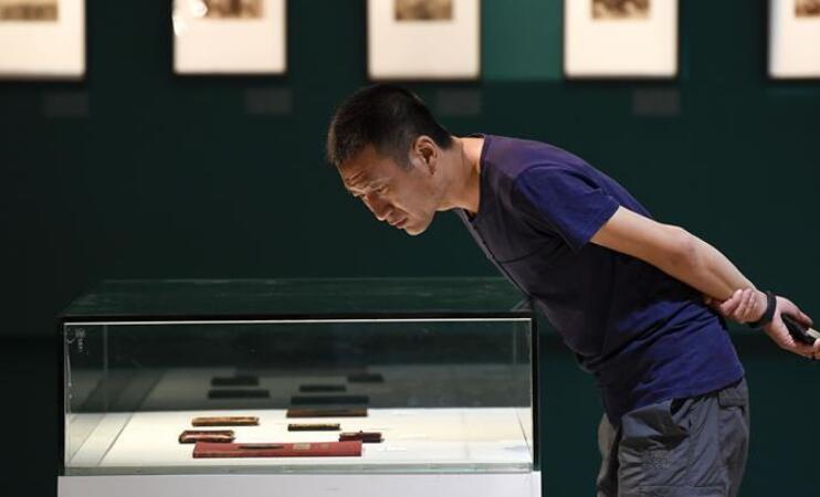 """""""摄影180年在中国""""展览在银川开幕"""