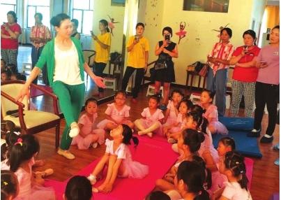 酒泉志愿者托起留守儿童舞蹈梦