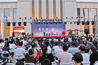 """葡京手机版博物馆""""夜场""""首秀 市民新鲜体验"""