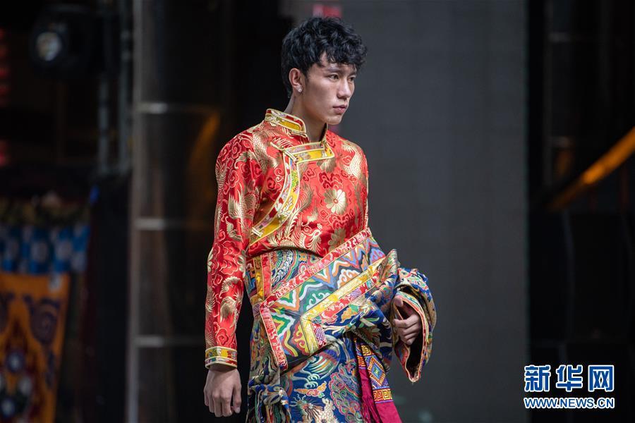 (文化)(3)中国藏模大赛西藏赛区举行海选