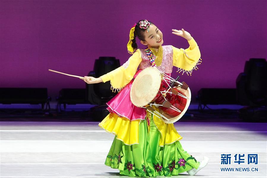 (文化)(2)青少年舞蹈竞风采