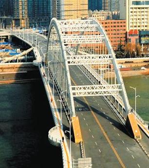 兰州:元通大桥桥北东西方向引桥通车