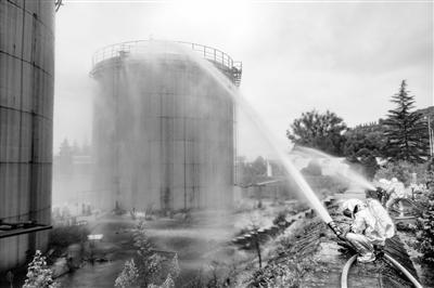 天水市开展石油化工 应急灭火救援演练