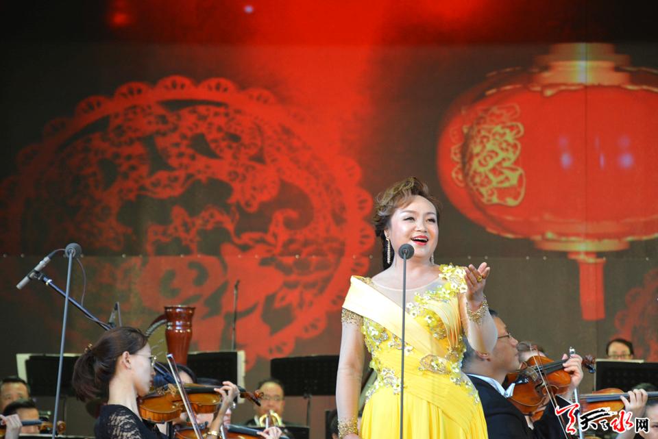 《我和我的祖国》张文静独唱音乐会在秦州剧院倾情演出