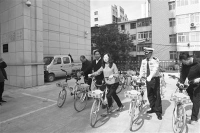 """甘肃省""""2019年绿色出行公交优先宣传月""""暨""""世界无车日""""活动启"""