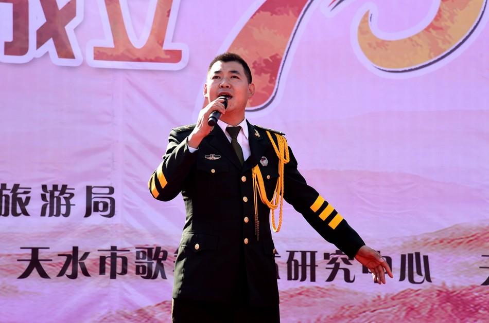"""天水市""""庆祝中华人民共和国成立70周年广场文艺展演""""在龙城广场"""