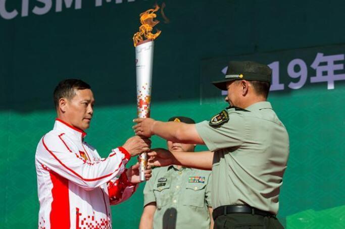 """第七届世界军人运动会火炬传递活动第二站在""""开国大典红一师""""举行"""