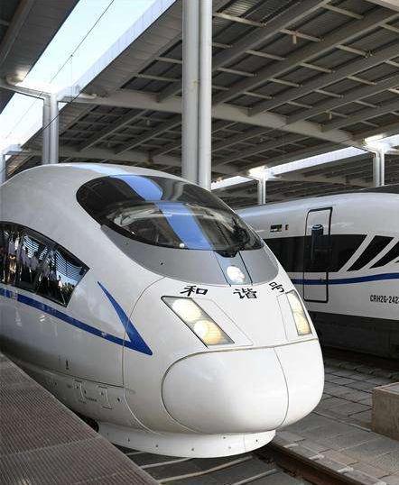 国庆畅行兰州局集团公司加开595趟列车