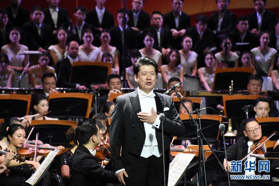 """(文化)(1)天津举行""""祖国颂""""交响音乐会"""