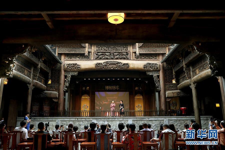 (文化)(4)上海:300年历史古戏楼开幕运营