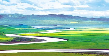 黄河首曲,绿水弯弯润草原