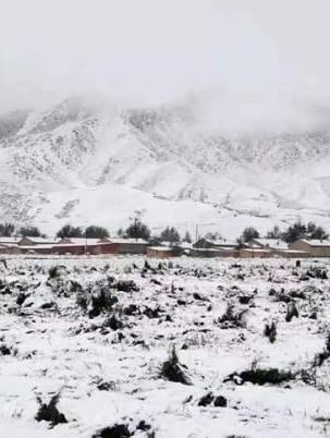 甘肃降温降水考验国庆假期返程 局地迎初雪