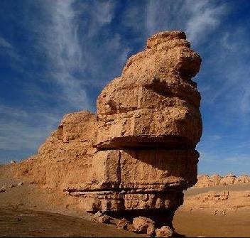 甘肃敦煌地质公园并重保护与开发 融文化遗产科普地学