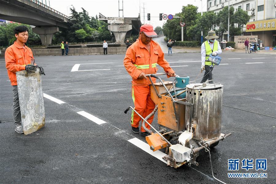 江苏无锡高架桥侧翻事故现场清理完成 下层横穿道路恢复通行