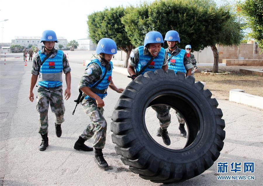 (国际)(4)中国维和官兵联黎部队军事障碍赛夺冠