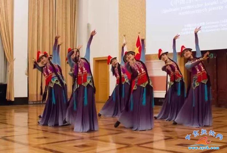 张掖市肃南民族歌舞团首次亮相波兰