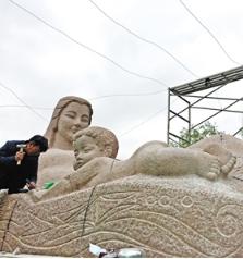 黄河母亲雕塑封闭保养今日完工