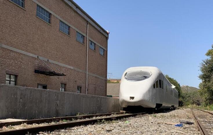 """医院、火车站""""一秒穿越"""" 看北京老旧厂房变身影视基地"""