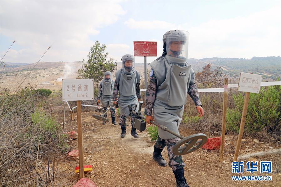 (国际·图文互动)(1)她们在雷场成长——记中国赴黎维和扫雷女兵